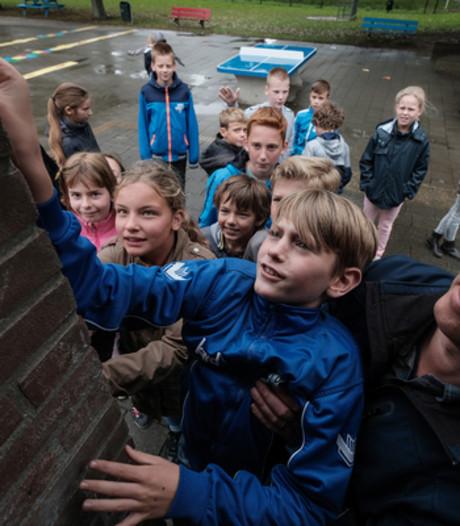 Als de dijk breekt, staat de school in Loo onder water
