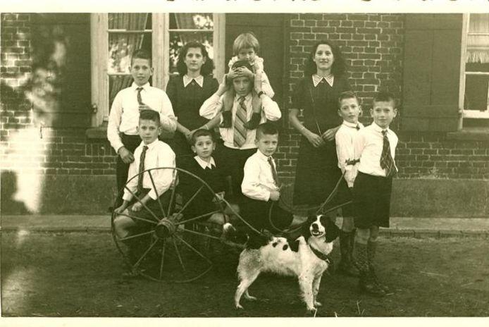 Van deze foto zijn zowel de namen als de locatie en het jaartal onbekend. Vermoedelijk is het de familie Van Schaijk. archieffoto Berchs-Heem