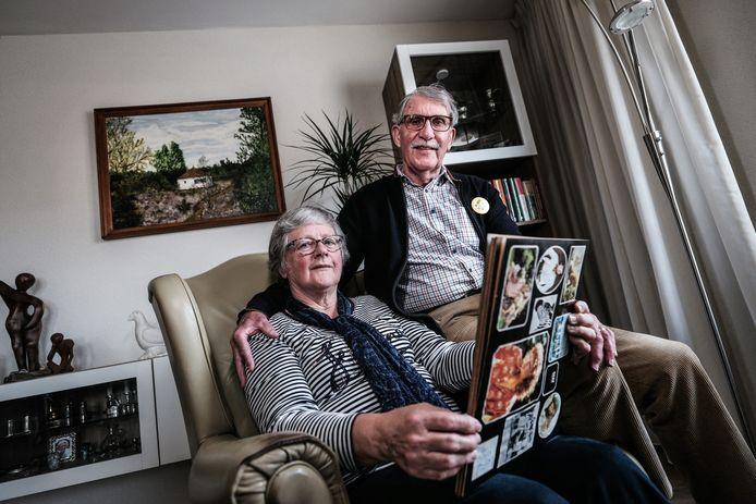 Bob en Berry van Wijnen. Het echtpaar bestierde vakantiepark Het Zonnetje aan de Ruurloseweg in Zelhem, het allereerste vakantiepark in de Achterhoek.