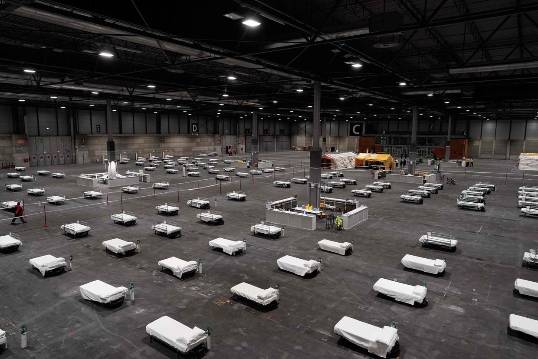 De opbouw van een noodhospitaal in Madrid.