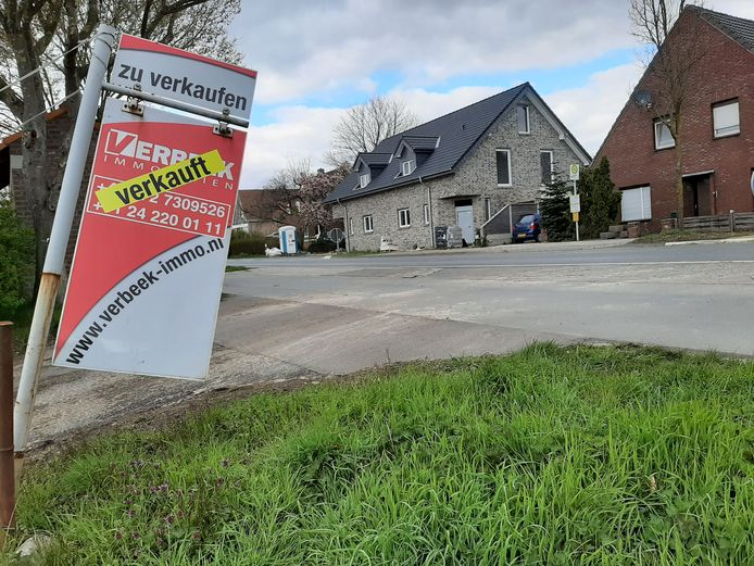 Nederlanders kopen weer over de grens, zoals hier in het grensdorpje Wyler.