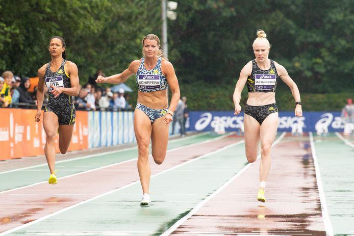 Dafne Schippers wint de 100 meter op de NK atletiek.