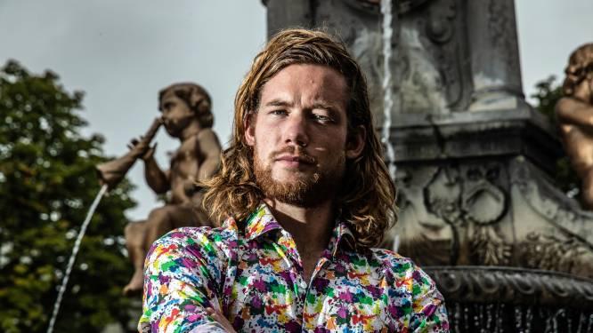 Jonge 'Insta-dichter' Luuk niet meer weg te slaan van Deventer terrassen: 'Het voelt echt als spelen'