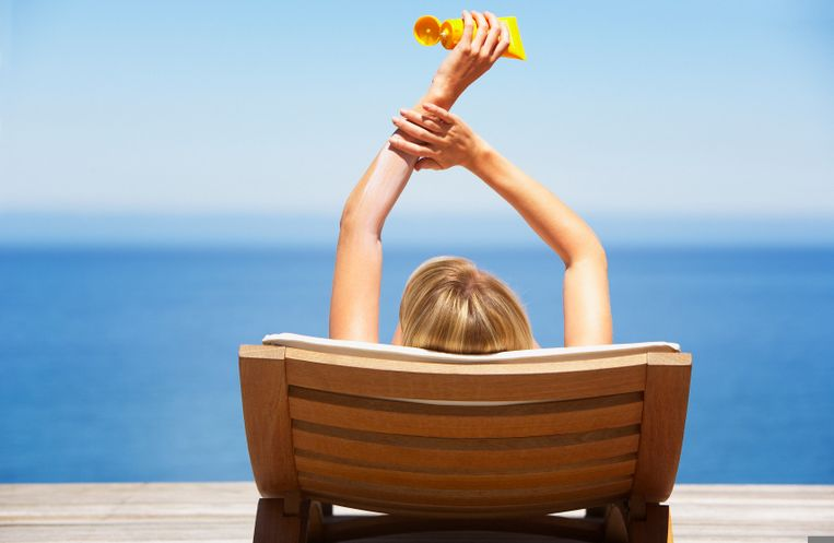 zonnebrand-zonnen-vrouw-zomer.jpg