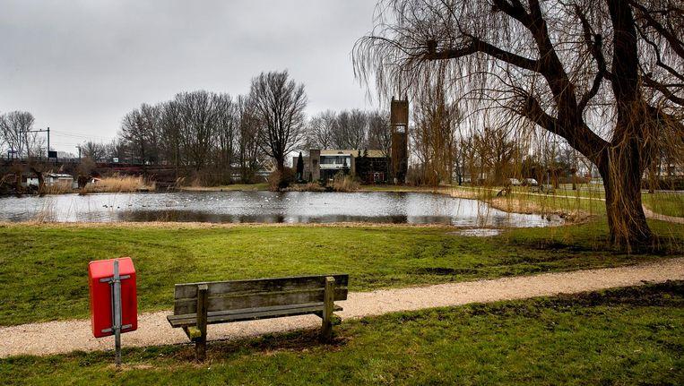 In 1992 werd het lichaam van Milica van Doorn bij de vijver in Zaandam gevonden. Beeld anp