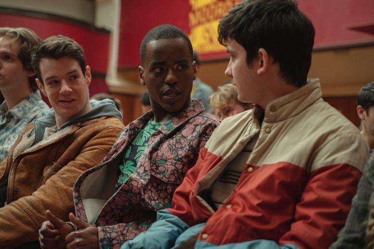 Sex Education seizoen 3.  Vanaf links: Connor Swindells als Adam Groff, Ncuti Gatwa als Eric Effiong en Asa Butterfield als Otis Milburn.  Beeld Netflix