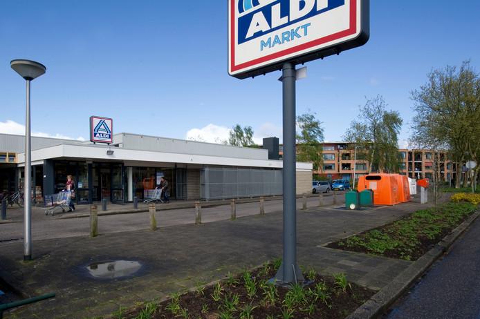 De Aldi aan De Posten, inmiddels is de discount-supermarkt verhuisd naar Winkelcentrum Zuid.