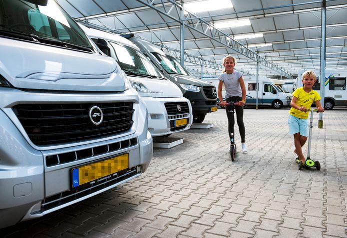 Caravanstalling Stichtse Vecht in Maarssen zit vol en heeft geen plaats meer voor nieuwe klanten.