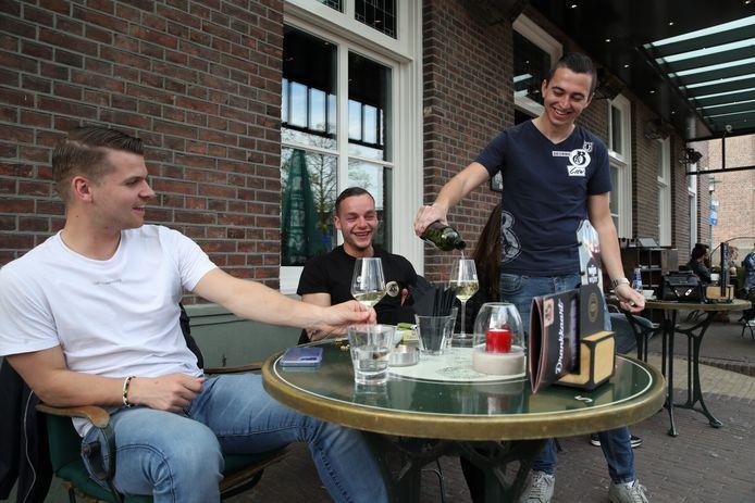 Op het terras bij Beekman & Beekman in Deurne.