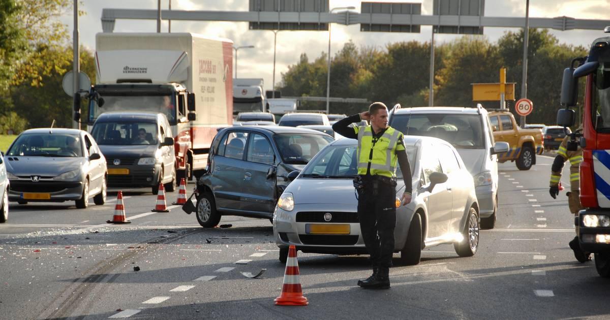 File op de Pleijroute bij Arnhem door ongeval met meerdere autos.