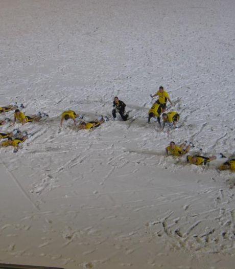 In een pak sneeuw bukken voor vuurpijlen: hoe NAC-twitteraar Ferry de Bont matchwinner werd in ijskoude protestwedstrijd