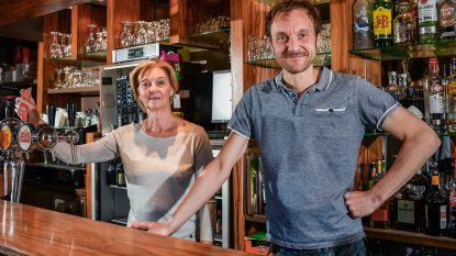 """""""Mondmaskers? Da's niet evident in een bruine kroeg"""": cafébaas Jan van Bistroke bekijkt wat mogelijk is bij de heropening van zijn zaak"""