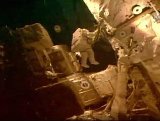 NASA stuurt twee astronauten op wandel in de ruimte