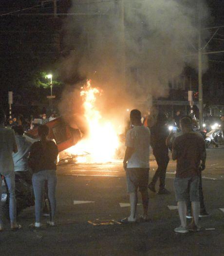 Politie grijpt in op Jonckbloetplein na relletjes rond voetbalwedstrijd van Oranje