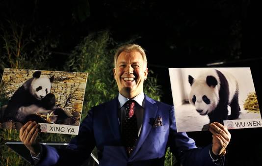Boekhoorn, eigenaar van Ouwehands Dierenpark, tijdens een persconferentie over de komst van de twee reuzenpanda's Xing Ya en Wu Wen vanuit China.