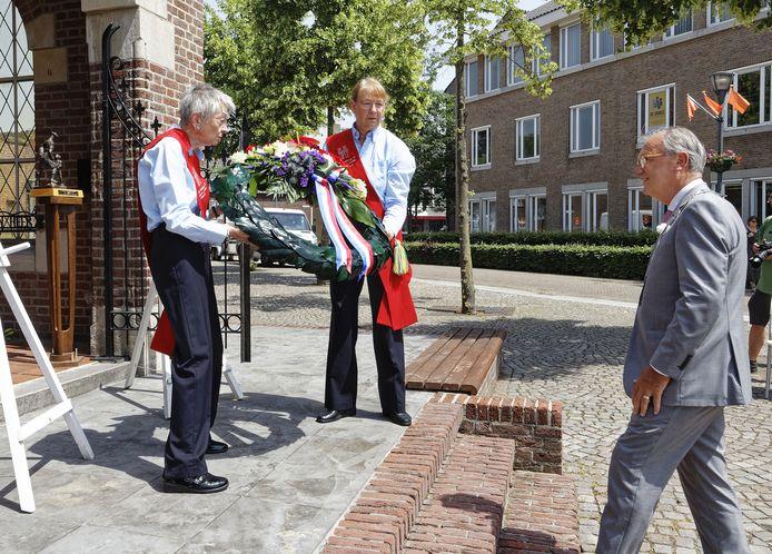 Loco-burgemeester Jan Goijaarts van Meierijstad was vrijdag bij de kranslegging op Veteranendag in Schijndel.