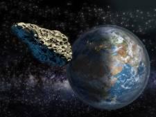 Bijna raak: laat opgemerkte ruimterots mist aarde op een haartje na
