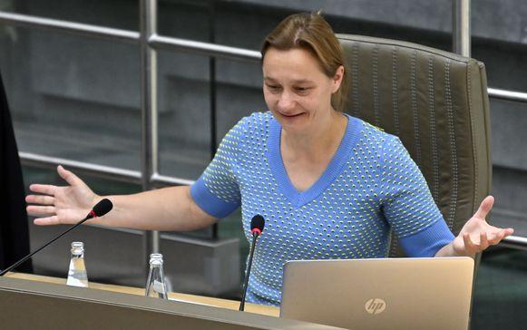 Viroloog Erika Vlieghe in het Vlaams parlement.