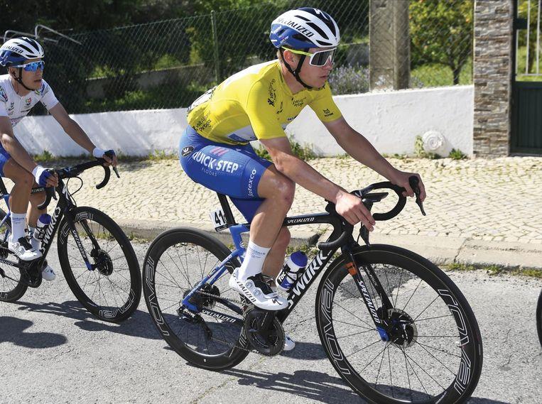 Patrick Lefevere over zijn pupil Remco Evenepoel (foto): 'Eén van mijn renners zei onlangs: 'We gaan Remco eens moeten onderzoeken: ik denk dat hij twee harten heeft, zo hard rijdt hij.'' Beeld