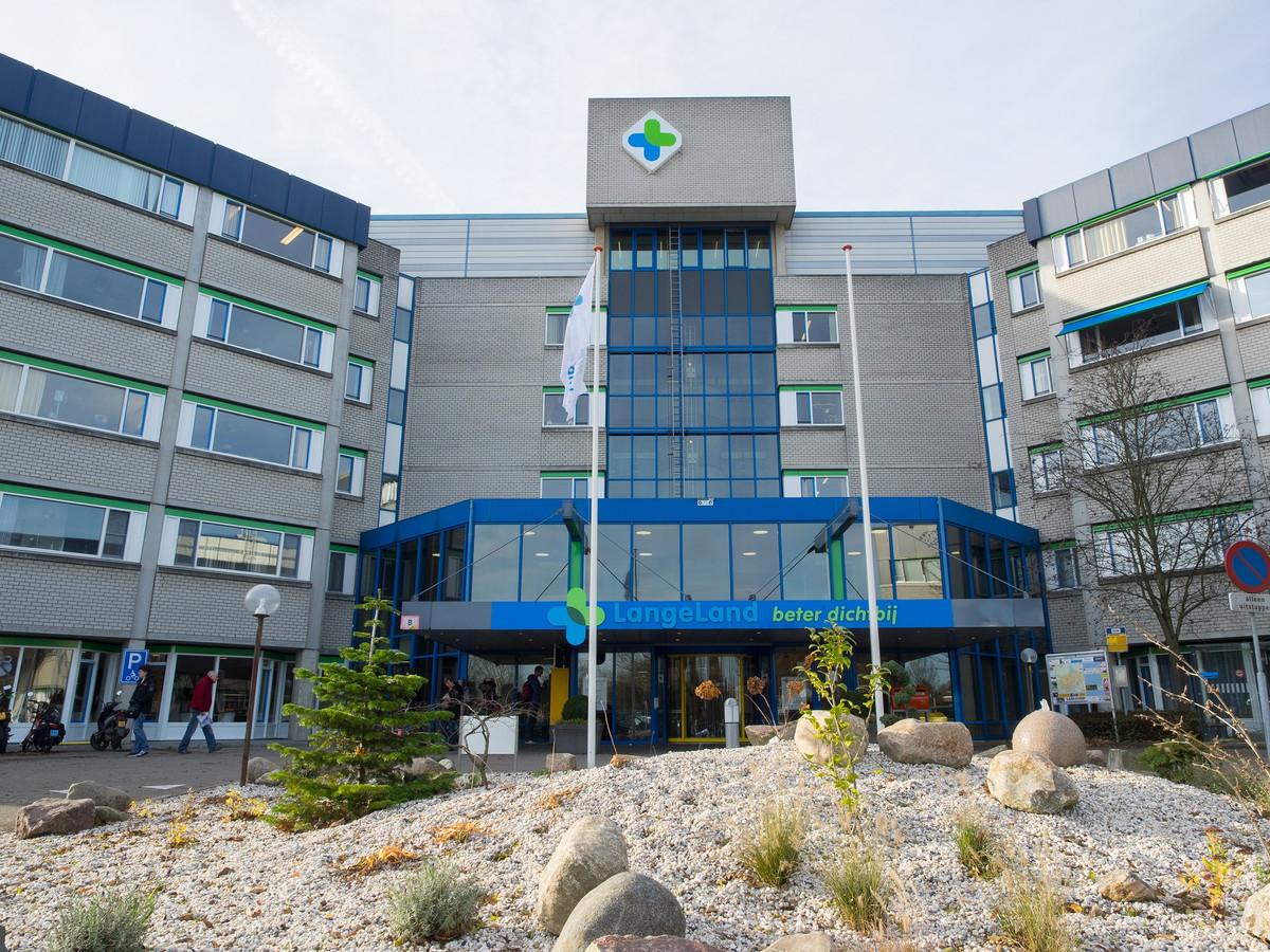 De ingang van het LangeLand ziekenhuis aan de Toneellaan in Zoetermeer.
