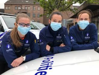 """De jeugd die revolteert kennen we intussen, maar wat met de jeugd die handhaaft? Deze drie jongedames gingen in volle pandemie bij de politie: """"Onze leeftijd heeft soms écht wel voordelen op straat"""""""