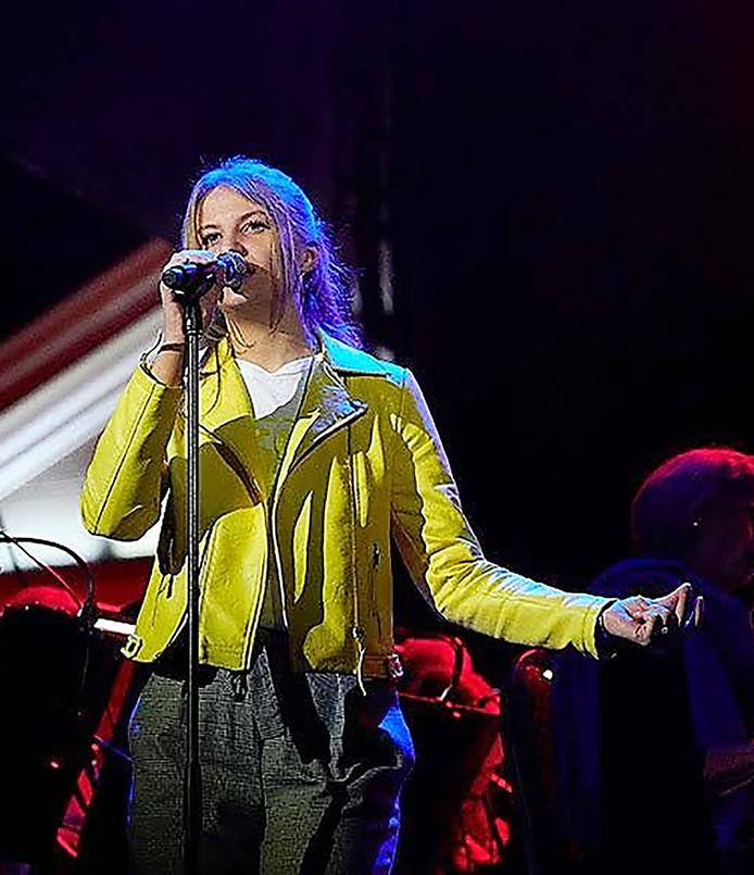 Julia Schutten tijdens Spektakel 750 jaar Roosendaal, laatste optreden KIJK ons......Roosendaal Foto Timo Reisiger