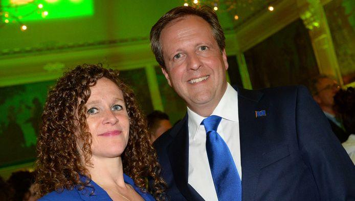 D66-lijsttrekker Sophie in 't Veld en partijleider Alexander Pechtold tijdens de verkiezingsavond.