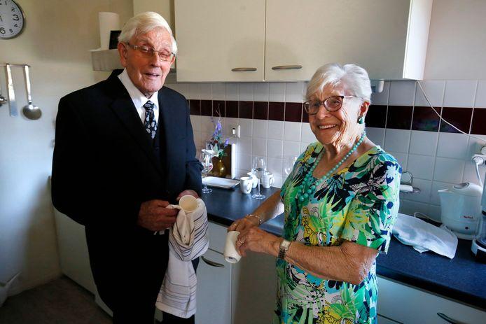 Huibert en Gerrie de Graaf zijn 70 jaar getrouwd.