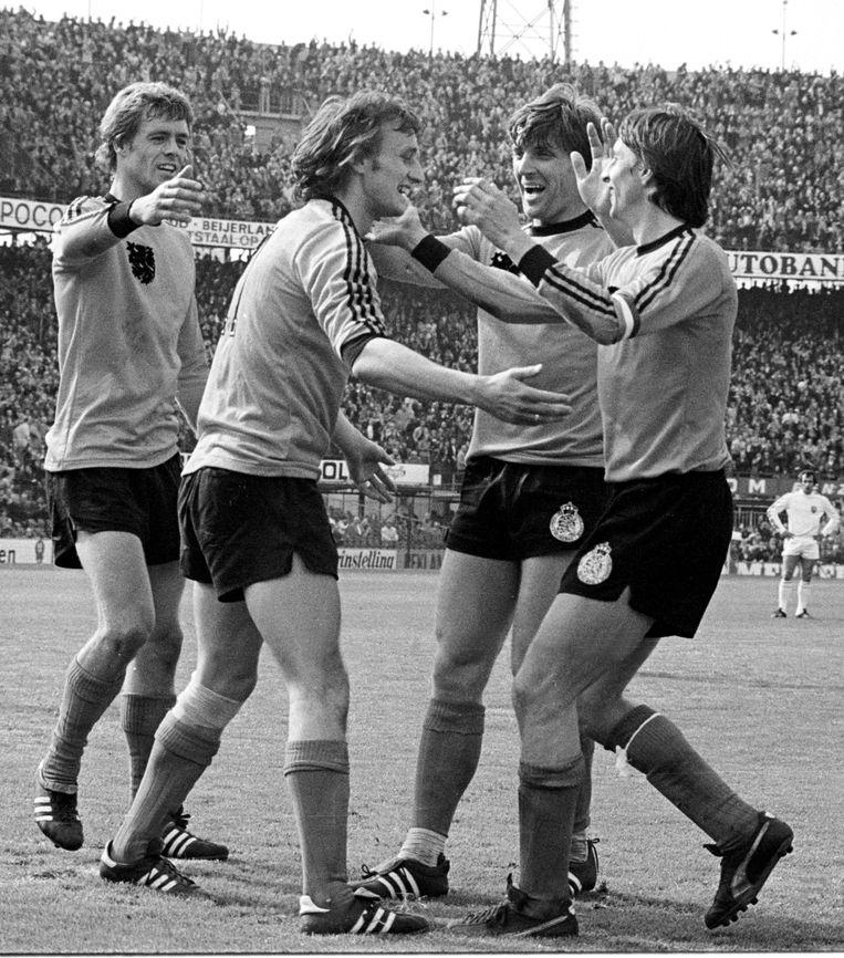 Nederlandse elftal, met onder meer Rensenbrink, Krol en Cruyff.