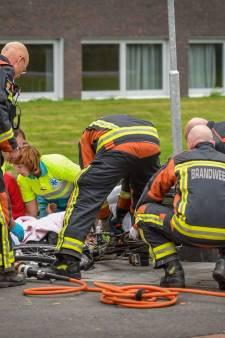 Vrouw krijgt handrem in haar been bij ongeval