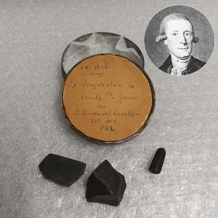 Resten van de opgeblazen graftombe van Johan Derk van der Capellen.
