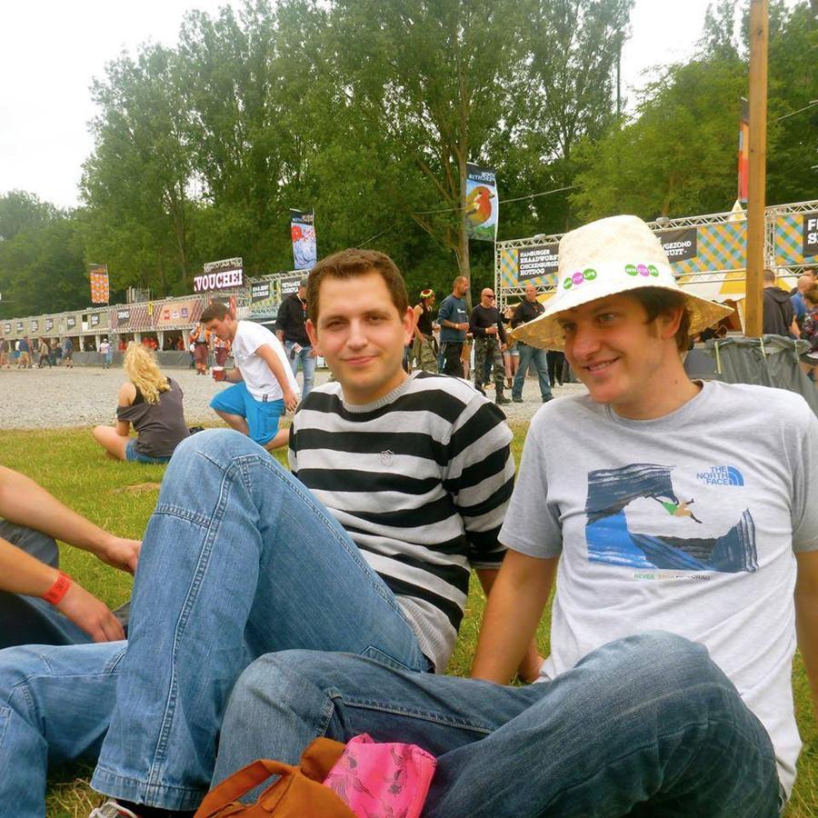 Maurits met zijn broer Stijn (rechts).