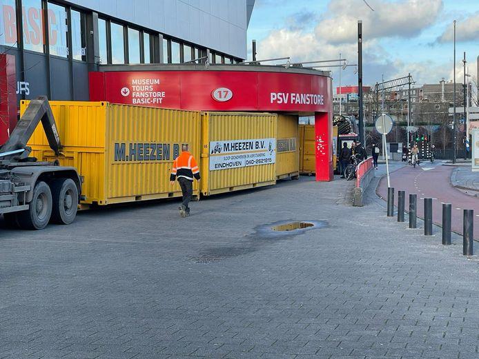 PSV barricadeerde dinsdag de eigen fanshop.