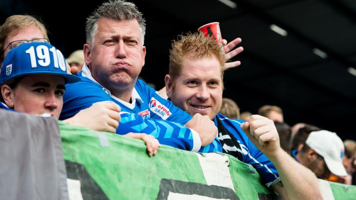 Zoenoffer voor supporters PEC Zwolle: busrit en catering op kosten van Ajax