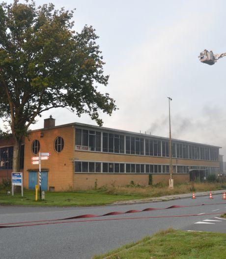 Grote brand in leegstaand fabriekspand Vollenhove snel onder controle