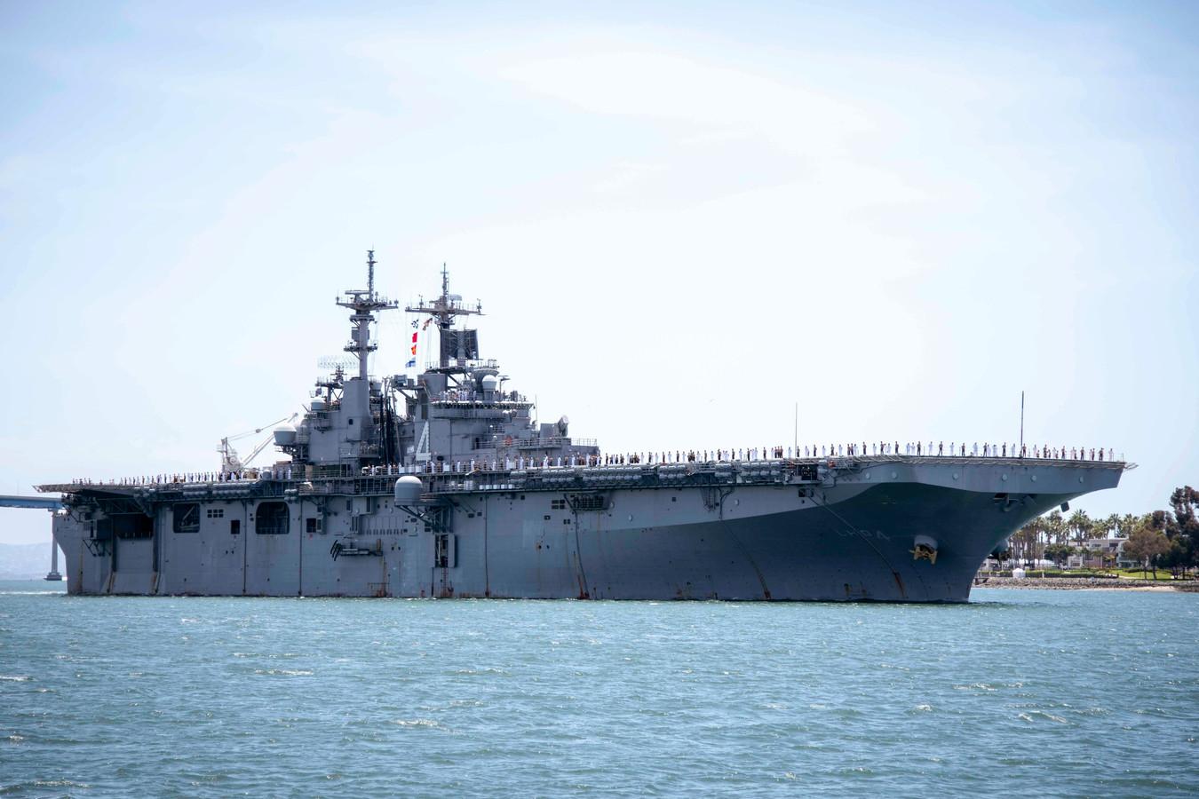 """Selon le président américain, le drone iranien s'est approché à moins de 1.000 mètres du navire USS Boxer (photo), qui a entrepris """"une action défensive""""."""