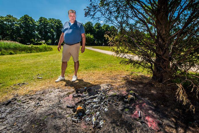 Volkspark-voorzitter Arthur Burghouts bij brandstichting in het Volkspark.