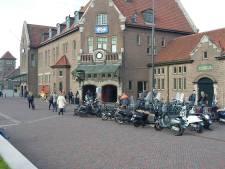 Drie mannen opgepakt na mishandeling op stationsplein in Deventer