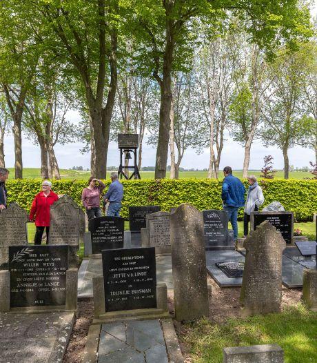 Begraafplaats Baarlo had gehoopt op interesse voor een plekje op het dodenakker, maar open dag werd 'meer een reünie'
