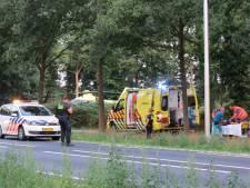 Scooter rijdt door na ongeval waarbij vrouw ernstig gewond raakt