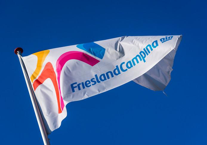 Vlag van zuivelconcern FrieslandCampina.