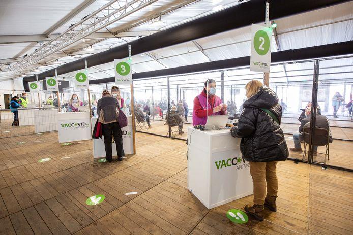Het vaccinatiedorp aan Spoor Oost.