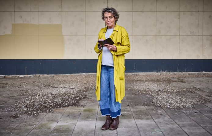 Anne-Marie Höppener maakt elke dag foto's van het afval dat zij tegenkomt.