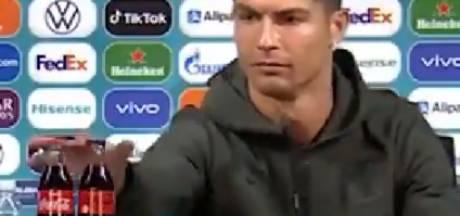 Cristiano Ronaldo verwijdert flesjes van EK-sponsor Coca-Cola tijdens persconferentie: 'Drink water!'