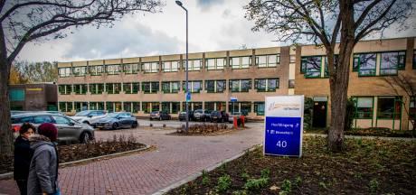 Rotterdammer (17) opgepakt voor mishandeling PowNed-cameraman bij Emmauscollege