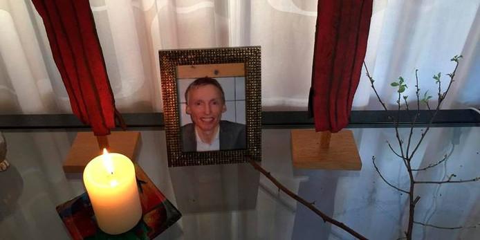 De ouders van Rinke hebben een altaartje voor hun zoon gemaakt.