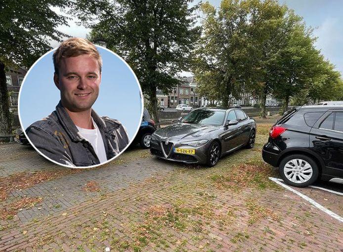 De foutgeparkeerde auto van Tom van der Weerd in Kampen.