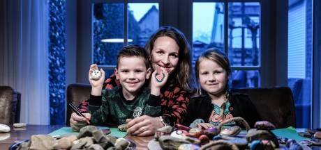 'Happy stones' duiken overal op in de Liemers: positieve boodschap op zwervende steentjes