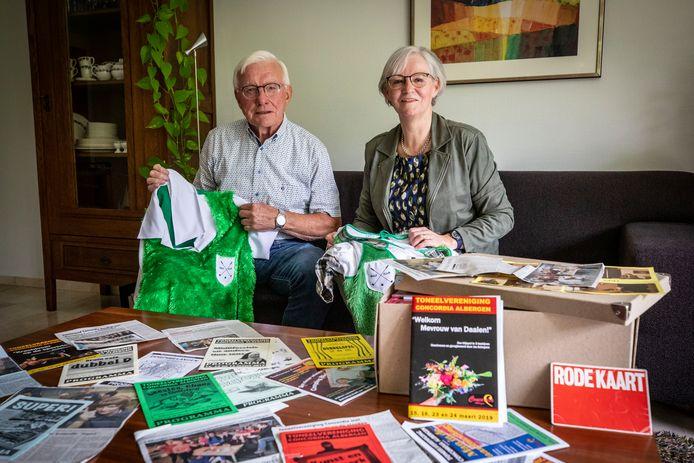 Agnes Oude Nijhuis en Henk Weusthof zijn 40 jaar lid van toneelvereniging Concordia. Binnenkort staan ze weer op de planken met een nieuw toneelstuk.
