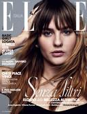 Victoria De Angelis op de cover van Elle.
